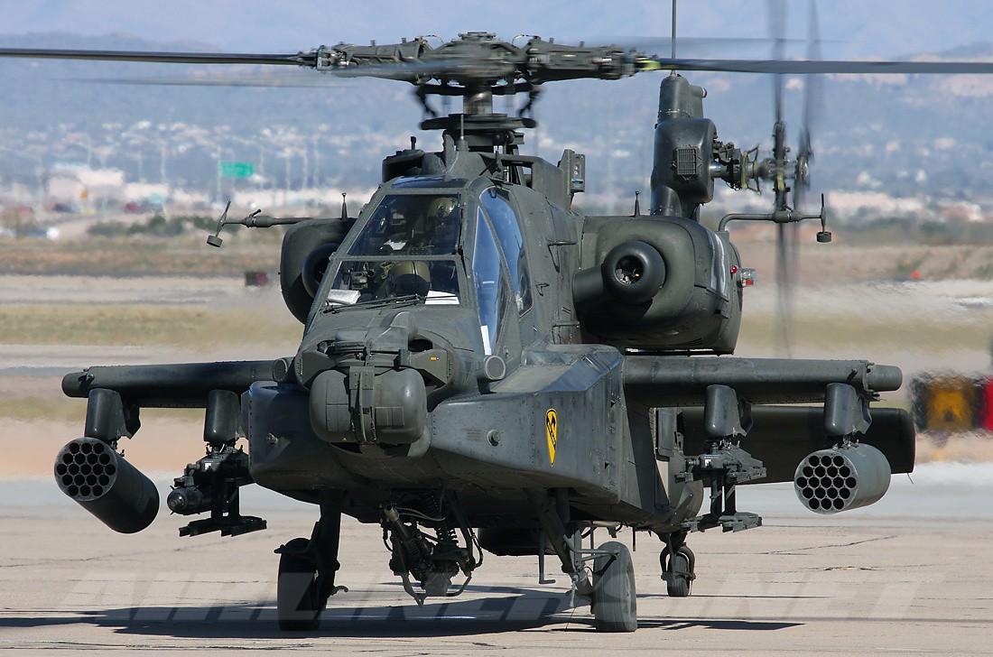 McDonnell Douglas AH-64 Apache. Щелкает броню, как орешки