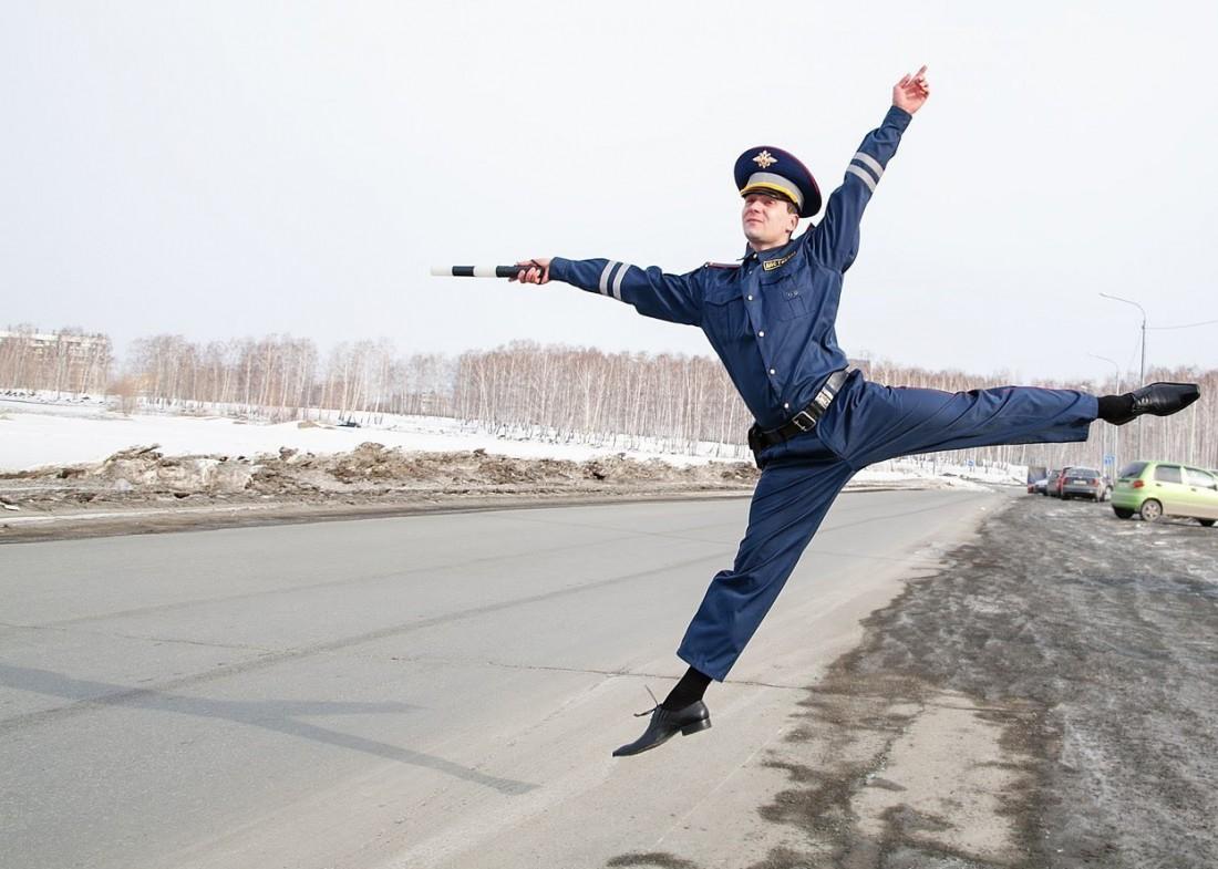 Полицейский инспектор дорожного регулирования в РФ. Он же — ПИДР