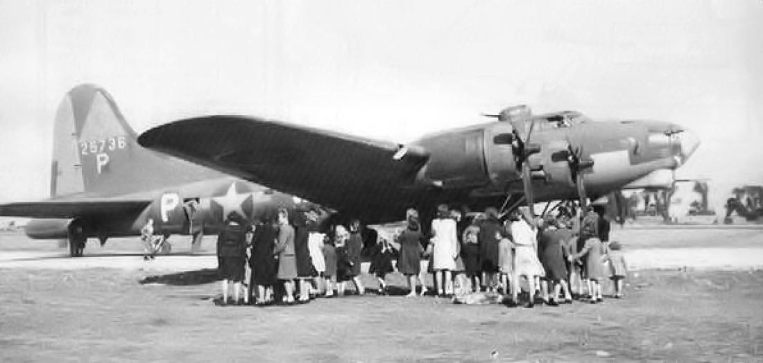 Численные пулеметы тянули Boeing YB-40 ко дну авиационной индустрии