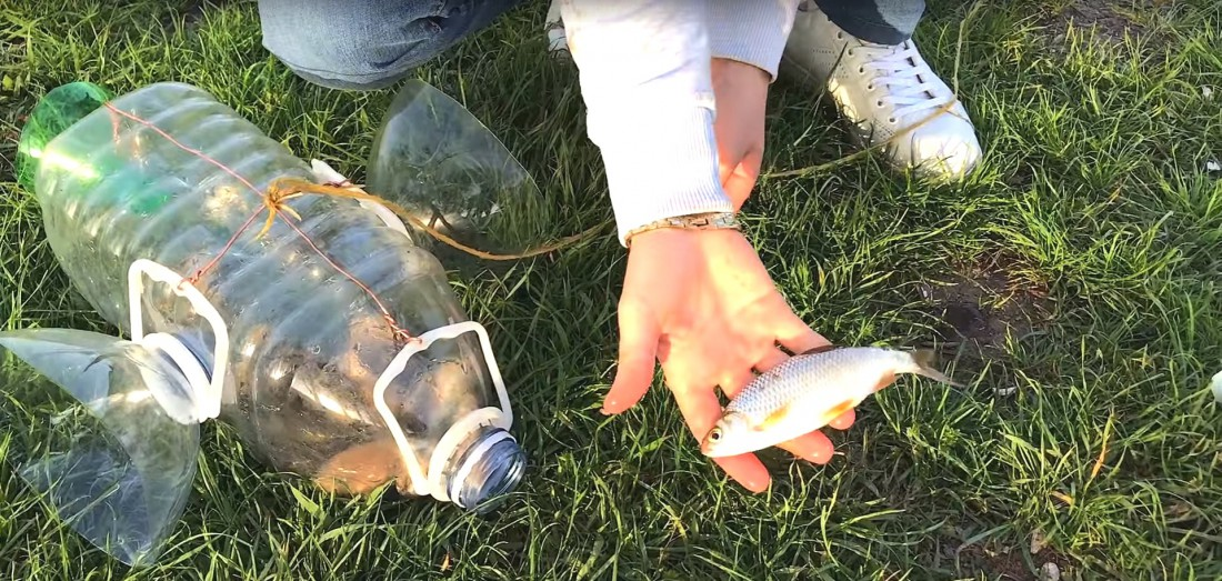 Кто сказал. что с помощью пластиковых бутылок нельзя ловить рыбу?