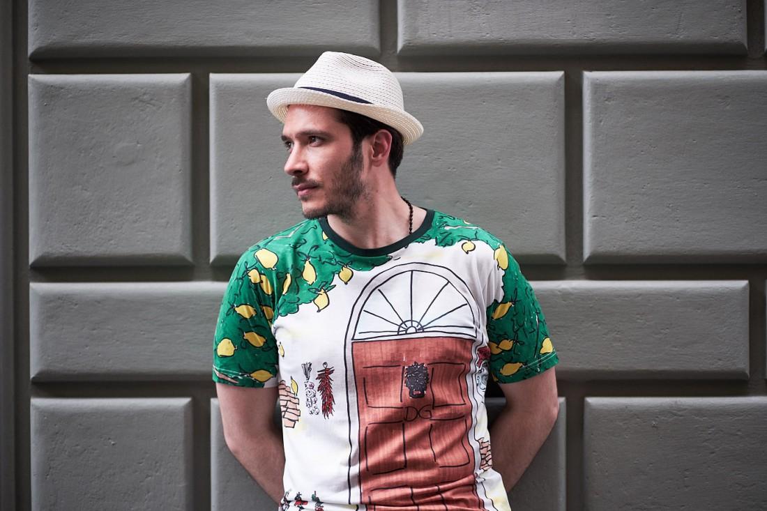Сезон весна-лето 2018. Встречай его в новой модной футболке