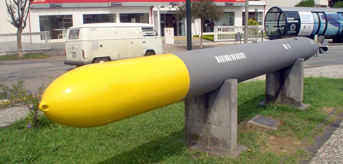 Торпеда — самодвижущийся боевой снаряд длиной до 7 метров и весом до 2 тонн