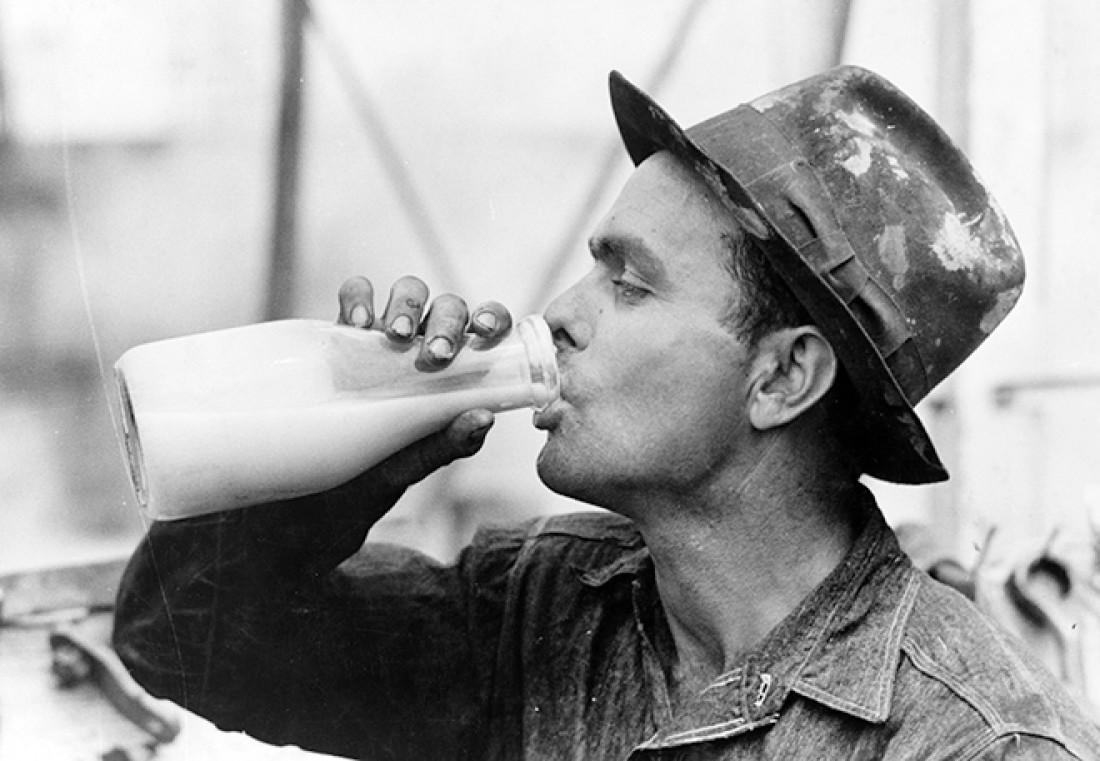 Хочешь иметь крепкие кости — не пей молоко (ученые)