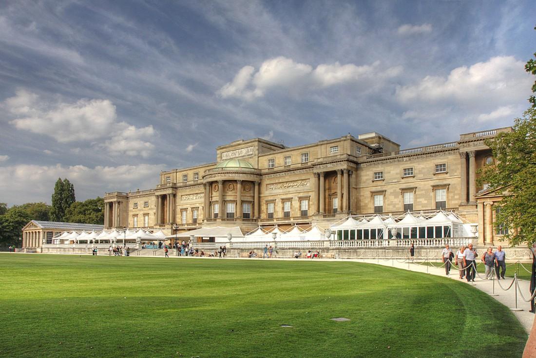 Букингемский дворец — место, где обитают правители Великобритании