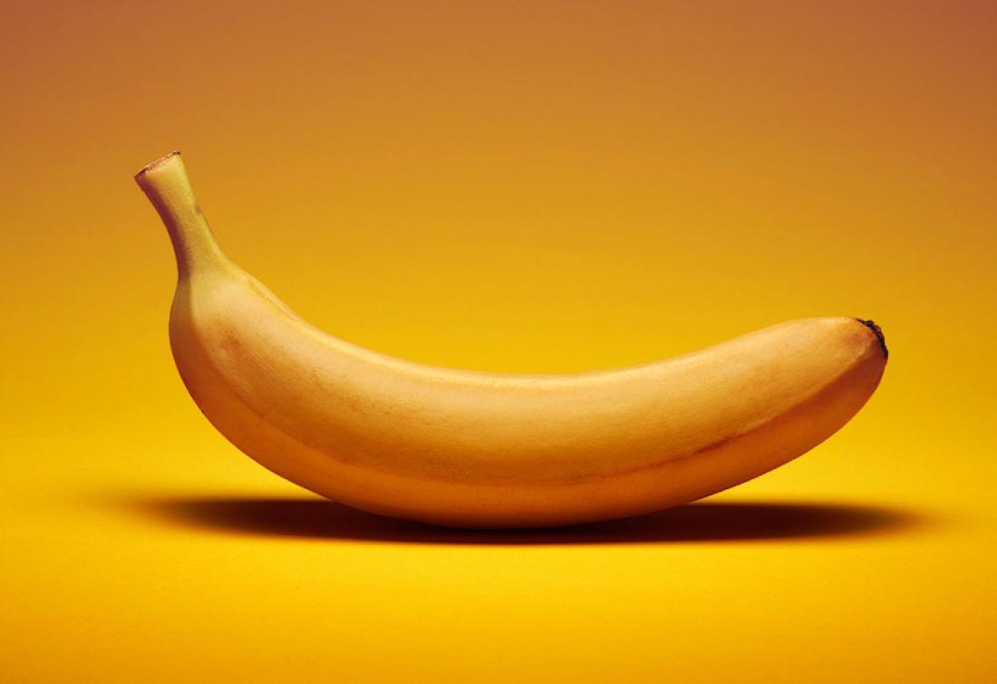 Вместо сладкого съешь банан. Он полезнее и сытнее