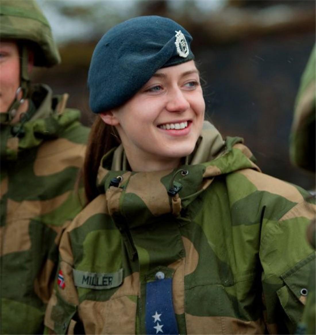 В Норвегии женщинам доверяли даже управление субмаринами