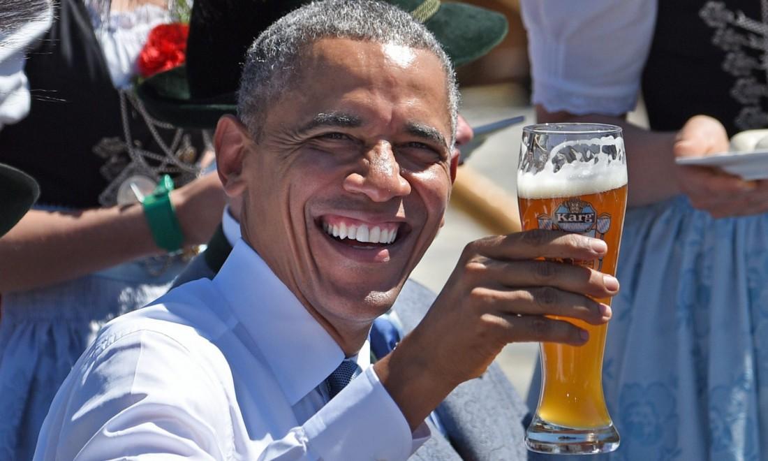 Обама пиво пьет. И тебе советует