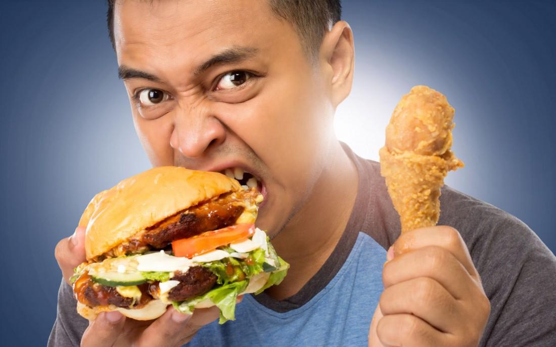 Фастфуд — эпидемия, которая поработила вес рабочий класс