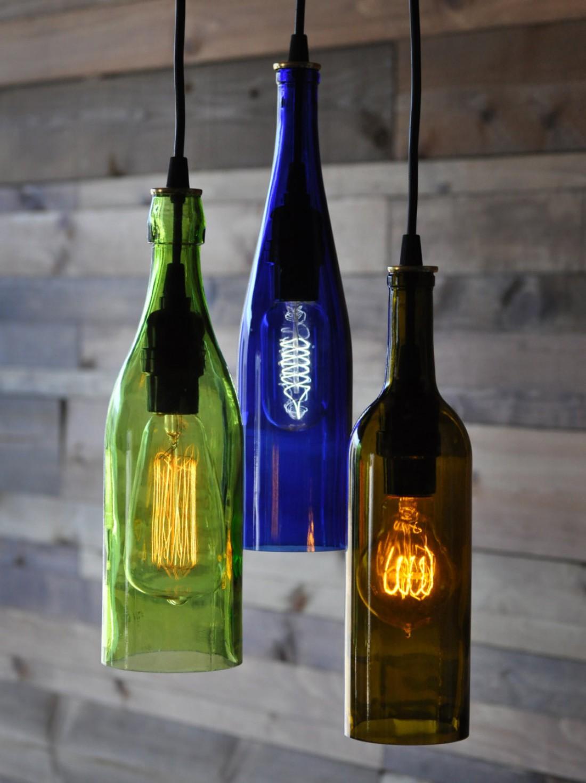 Выбирай разноцветные бутылки / вставляй разные лампы — будет красивее