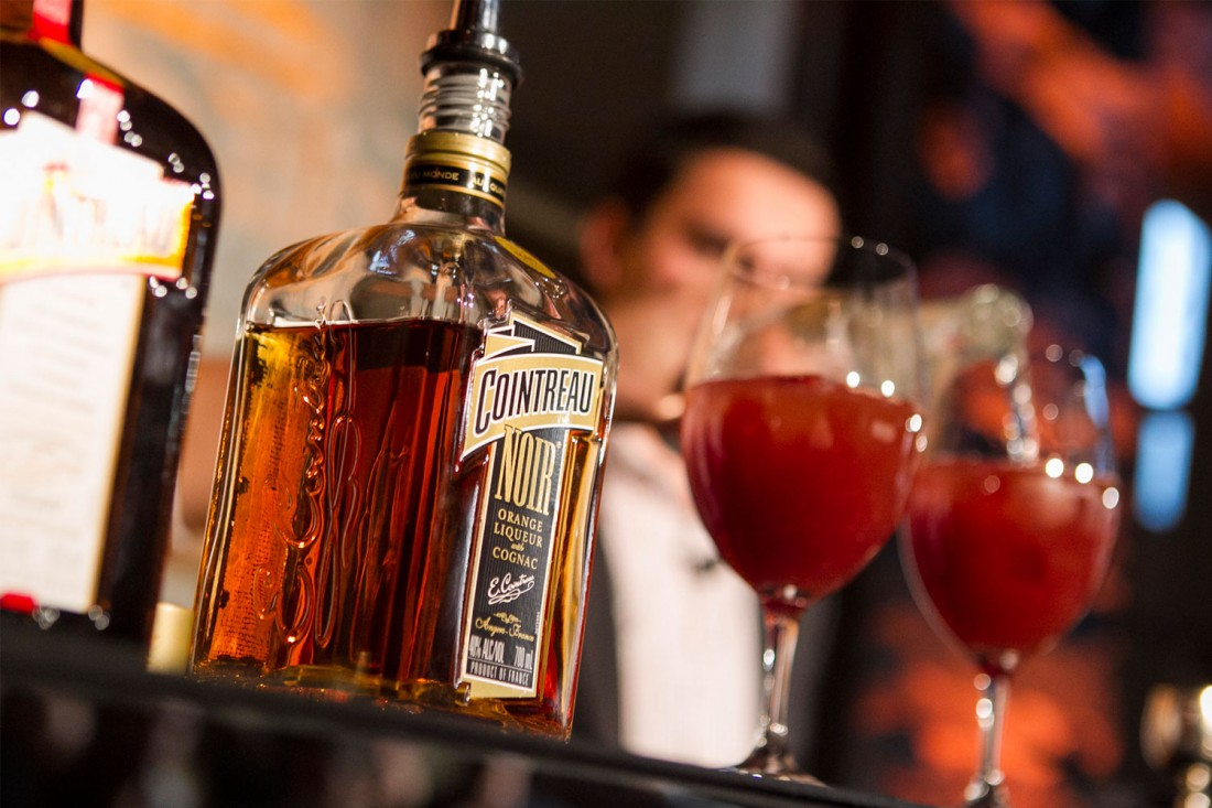 Не знаешь, как быстро, вкусно, и нетрадиционно напиться? Куантро в помощь