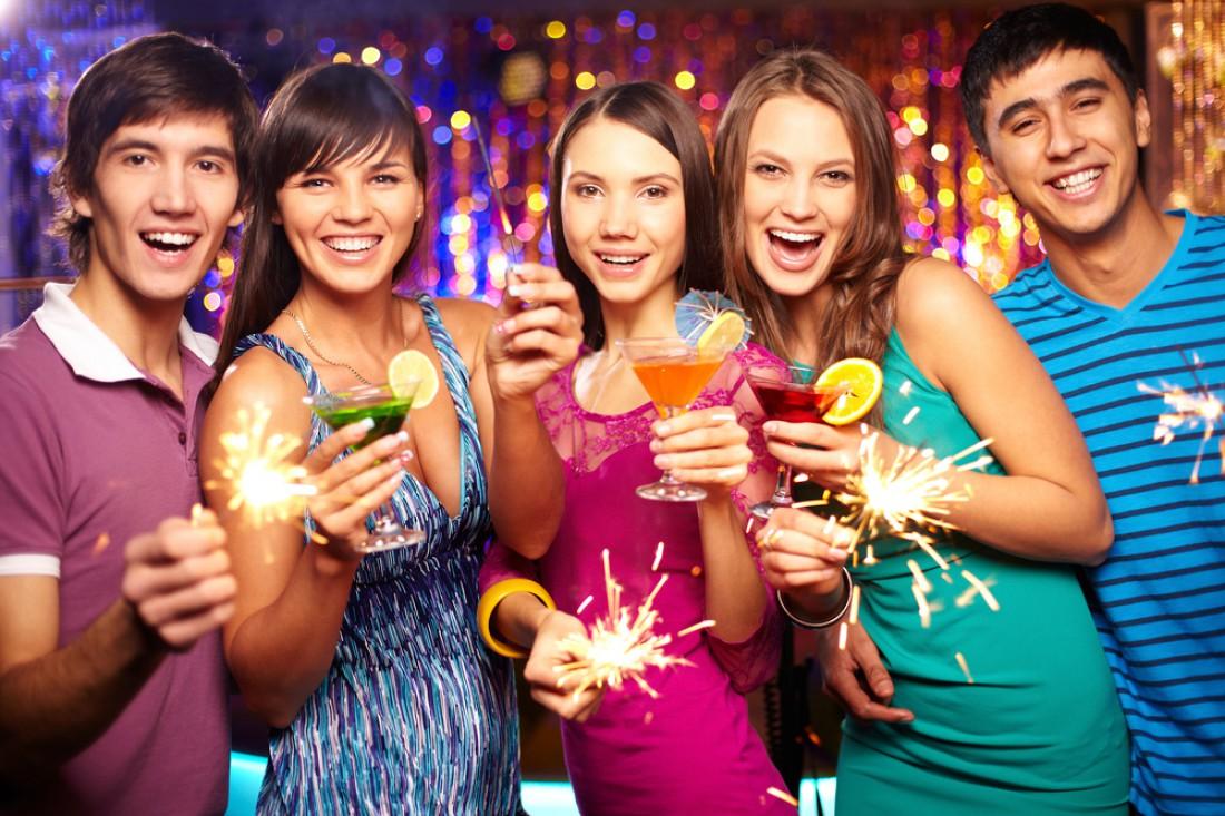 А ты уже придумал. чем будешь поить свою пассию на Новый год?