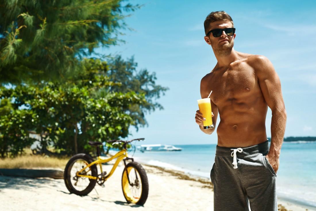 Мучит жажда на пляже? Долой пиво. Пей апельсиновый сок