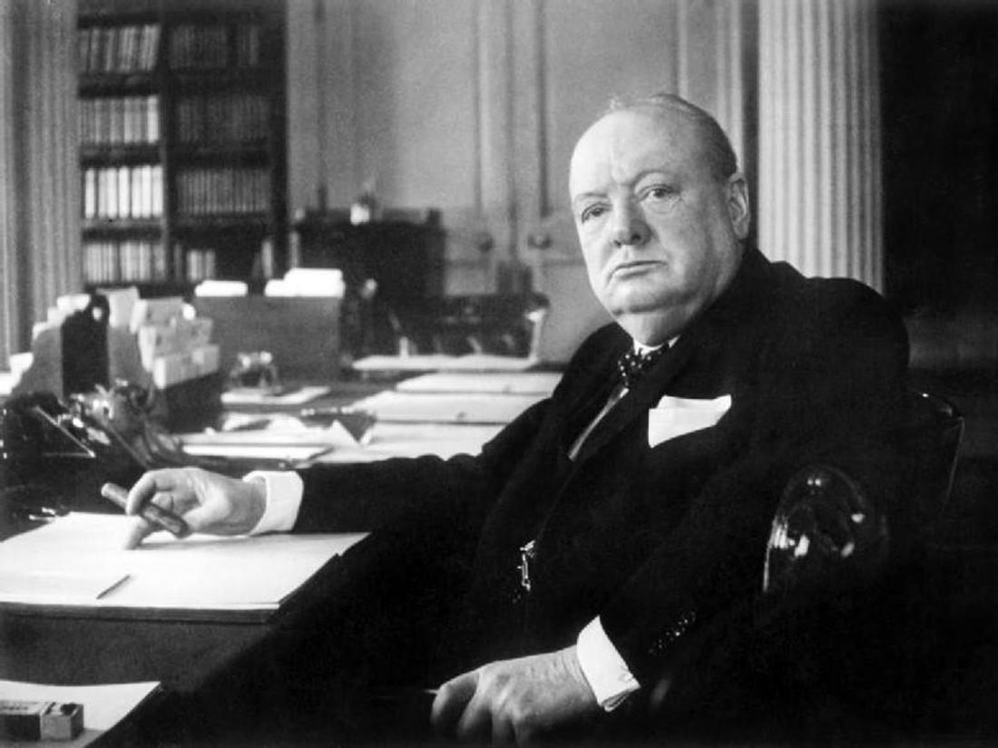 Черчилль не любил учиться, зато был еще тем обжорой