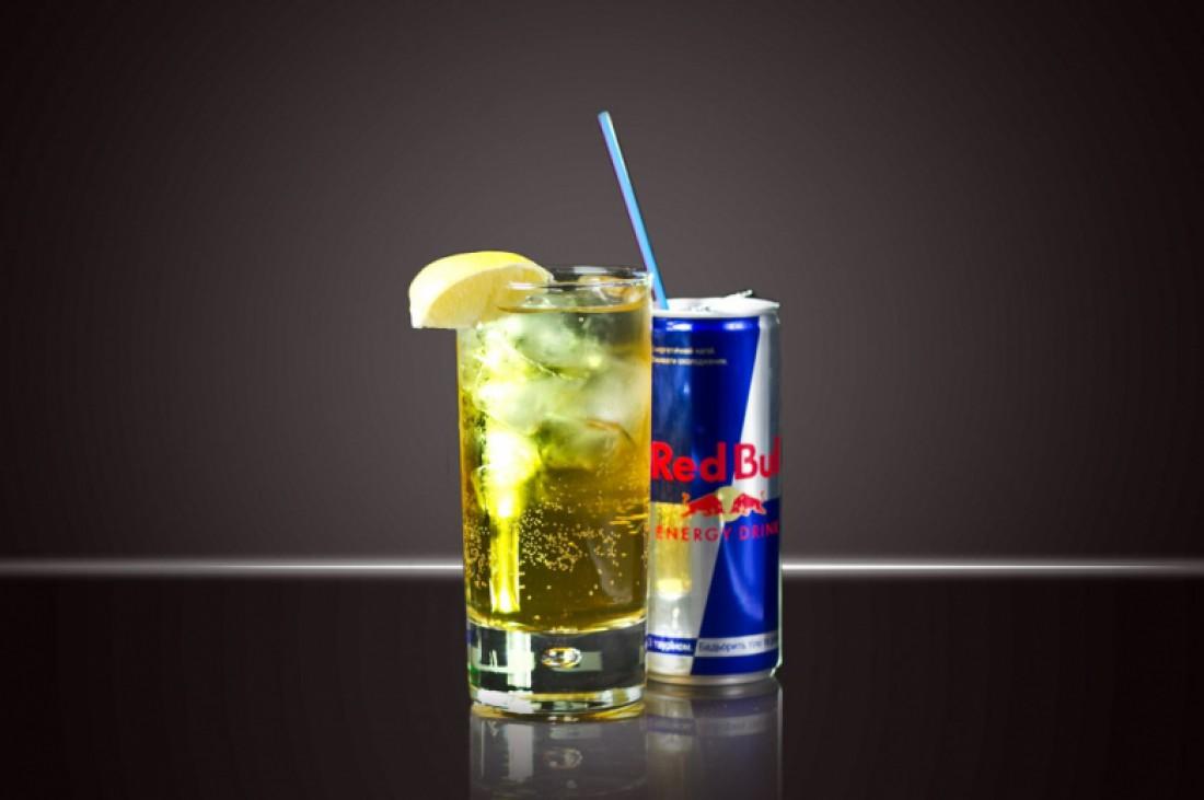 Водка и Red Bull. Пей не больше одного коктейля в сутки