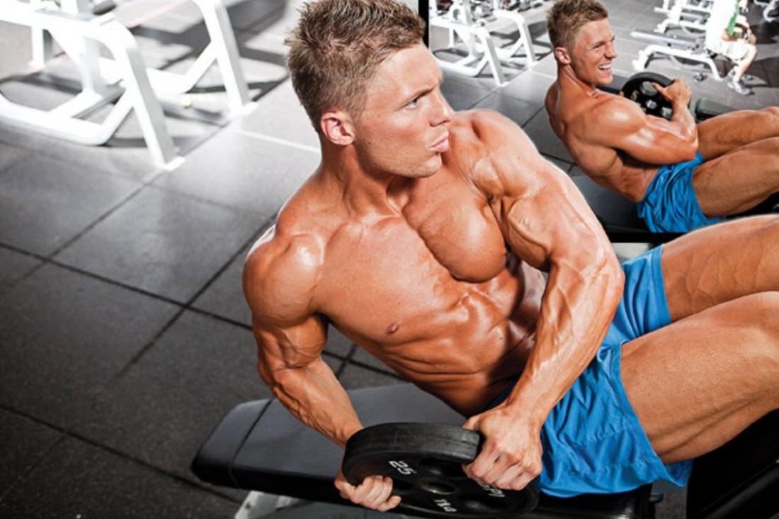 Как накачать косые мышцы живота: выполняй скручивания в стороны
