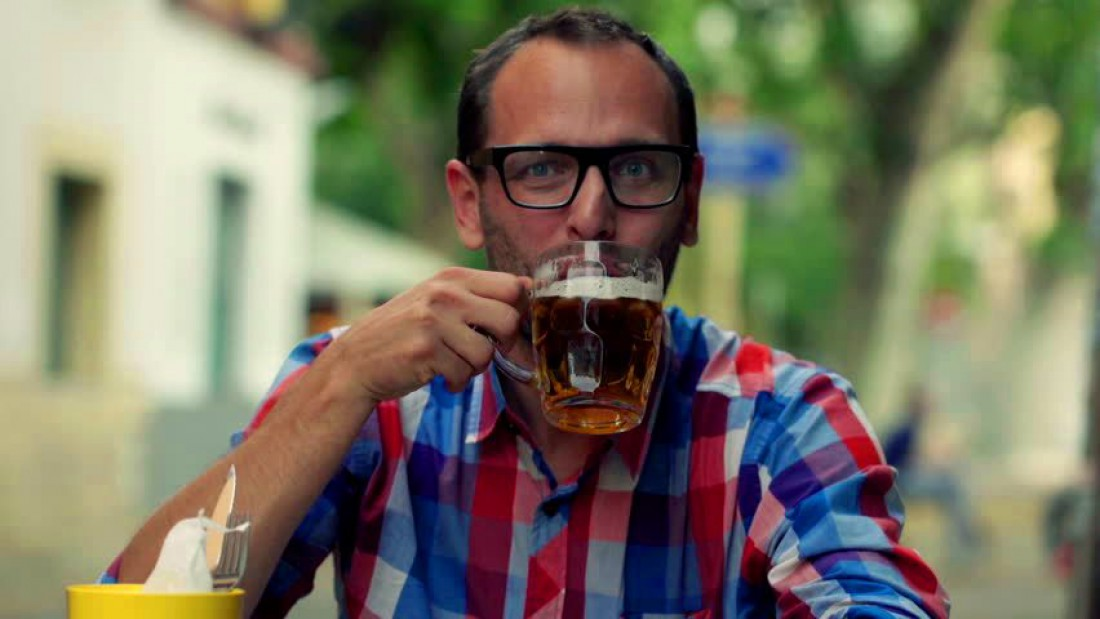 Ура, товарищи: светлое пиво — далеко не самый калорийный напиток