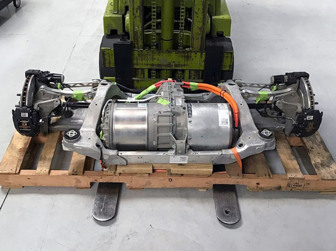 Мотор от Tesla Model S, установленный на Honda Accord 1981 года