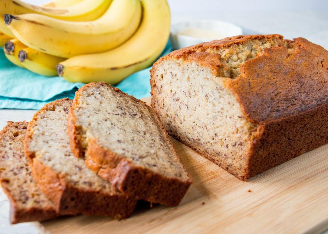 Банановый хлеб из муки и протеина — супер-вариант массонабора для фанатов мучного