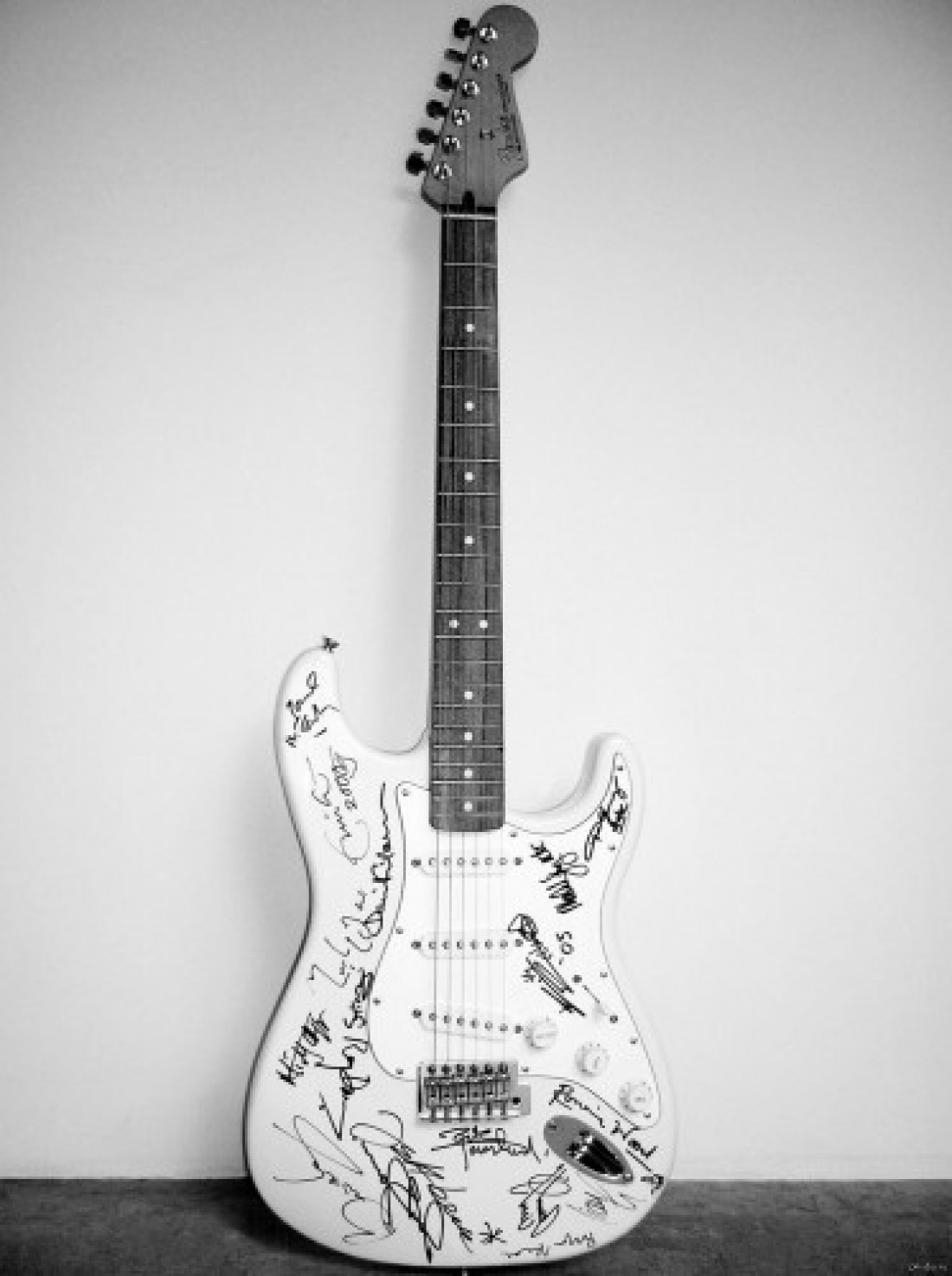 Reach out to Asia Fender Stratocaster — $2,7 миллиона