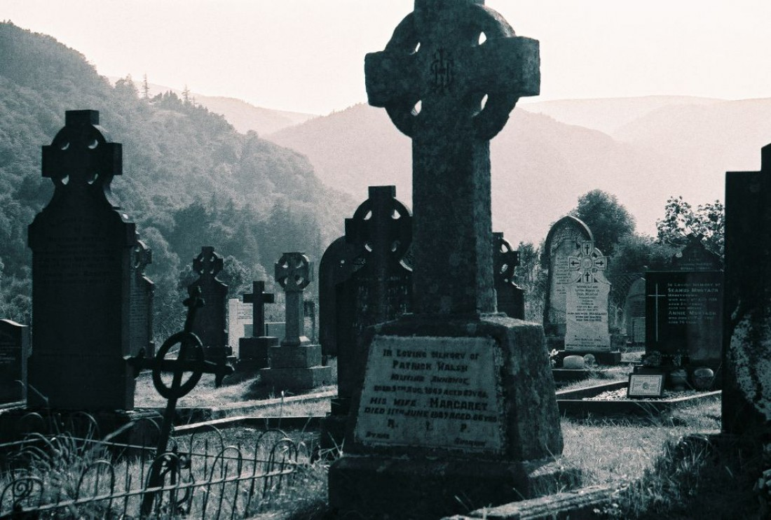 Кладбище Сталл. Еще одно из поверий — дважды в год туда приходит дьявол: на могилу к сынишке