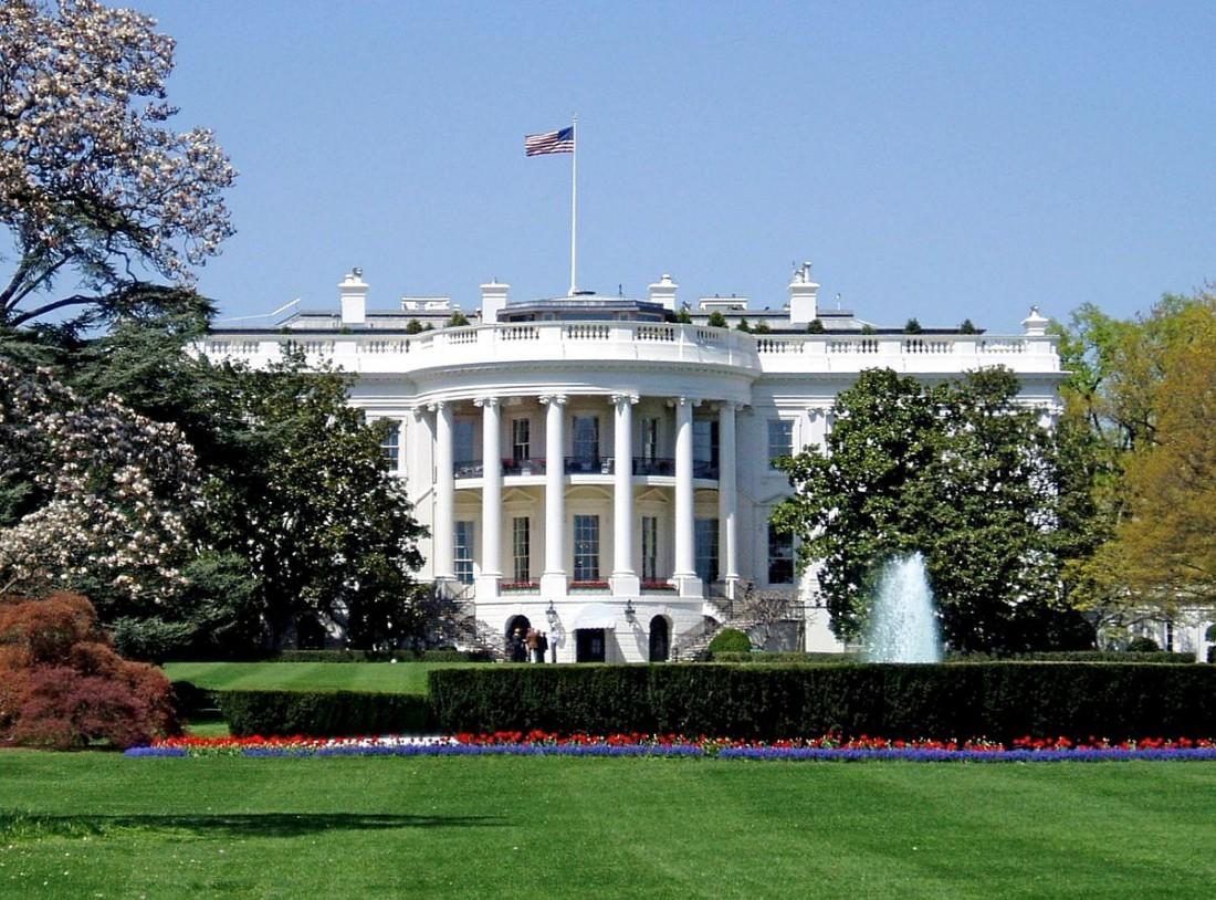 Официальная резиденция президента США, расположенная в Вашингтоне
