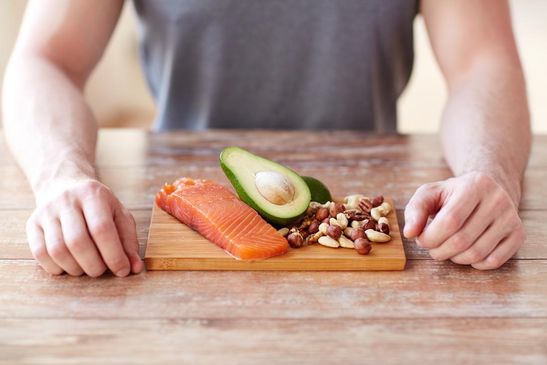 Орехи, рыба и авокадо — еда, которая поможет тебе быть умнее и здоровее