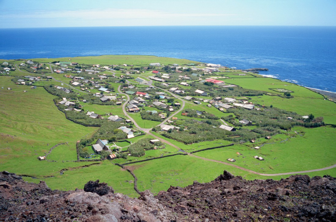 Едва заметный поселок Тристан-да-Кунья