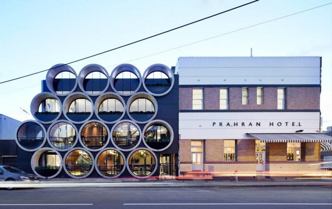 Prahran Hotel — паб, построенный из убитых бетонных труб
