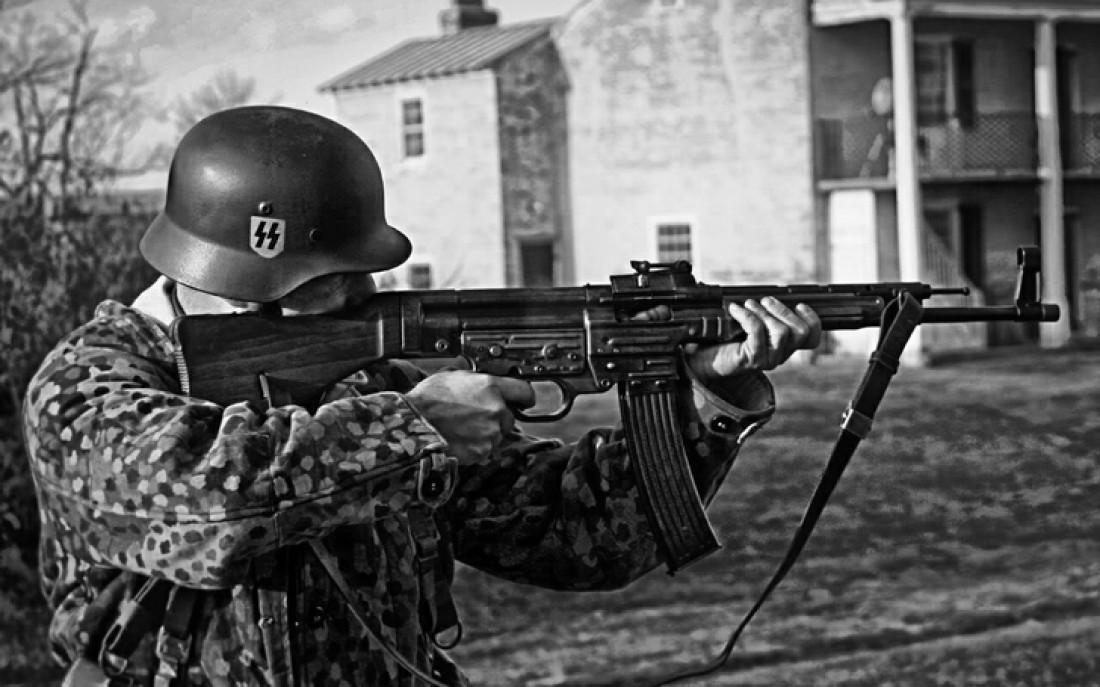 СС-совец и его StG 44