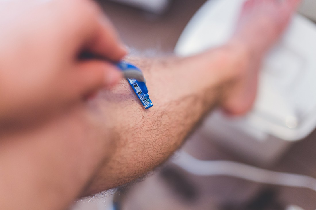 Бритые ноги у мужчин — новый тренд или спортивная нужда?
