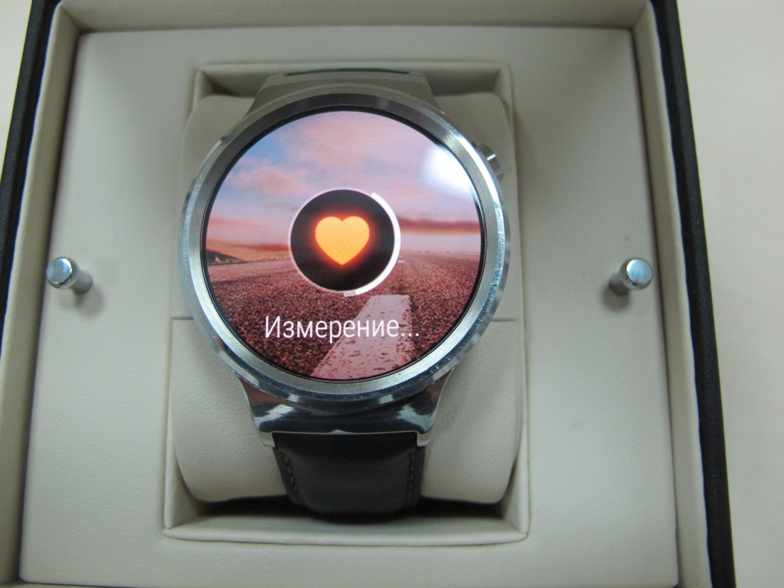 Умные часы Huawei Watch на Android Wear