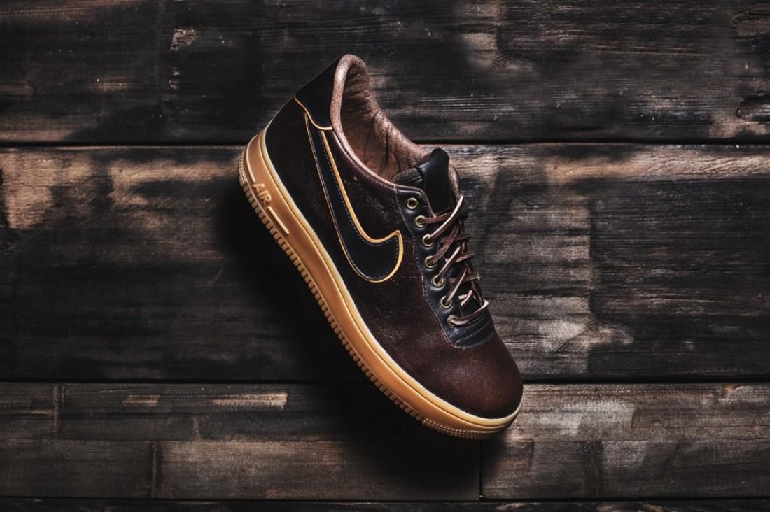Nike Air Force 1, разработанные в рамках коллаборации с Jack Daniel's