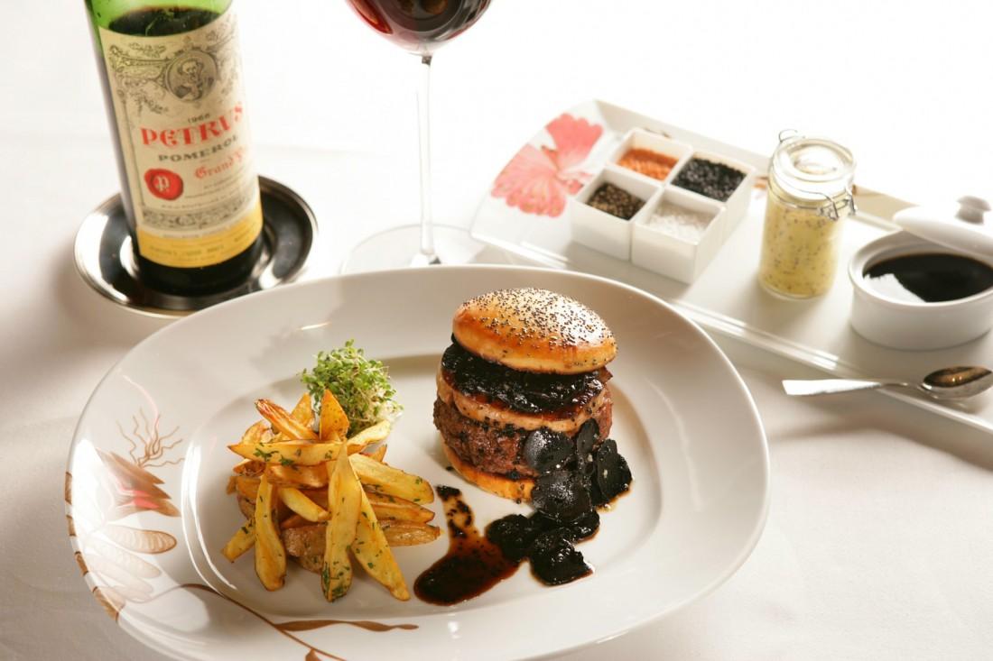 Флербургер так назвали из-за ресторана, в котором его готовят