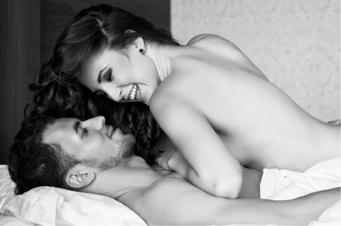 Секс - приятный способ просыпаться ранним дождливым утром