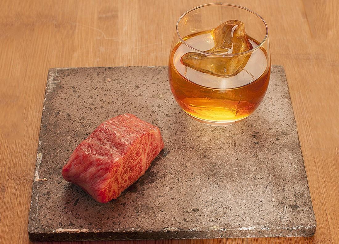 Это кусок говядины. И виски, настоянный на говяжьем жире