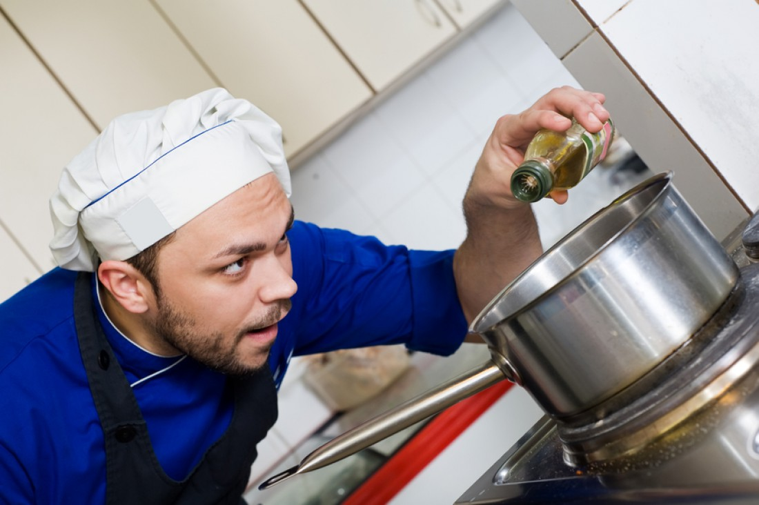 Оливковое масло можно добавлять в любое блюдо