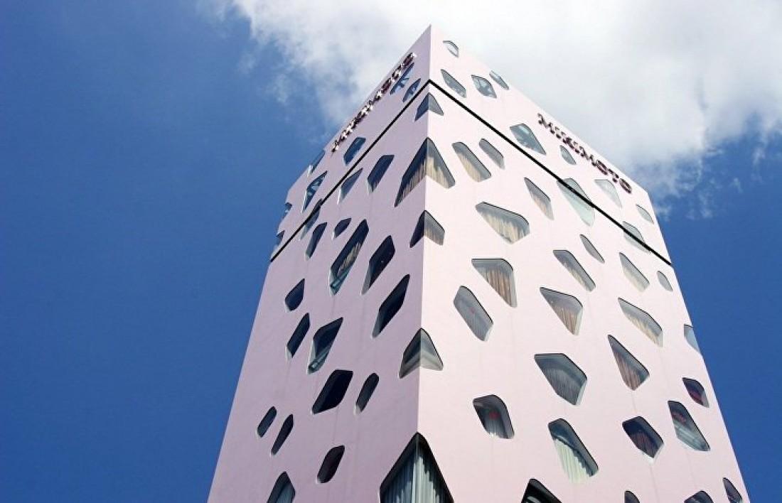 Mikimoto — 24-этажка с ювелирными бутиками одноименного бренда
