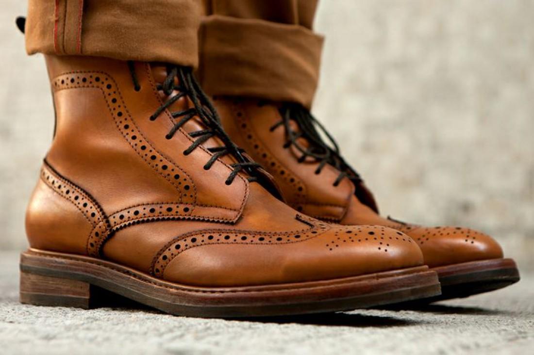 На туфлях, как и часах — экономить не стоит