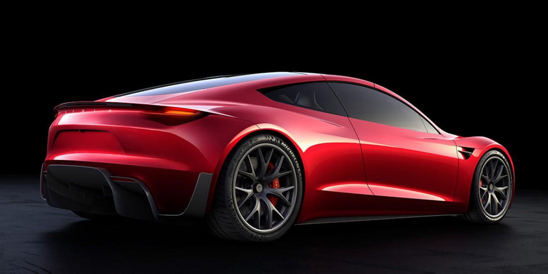 На одной зарядке Tesla Roadster сможет прокатить 1000 км!