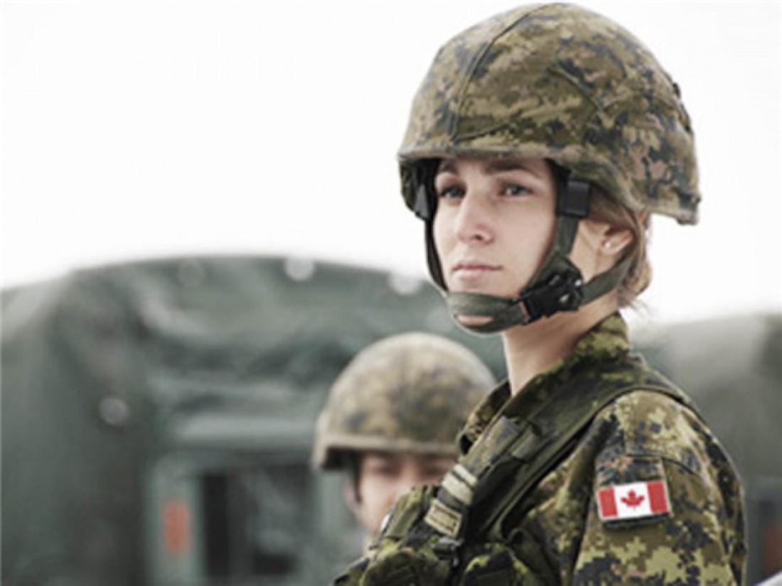 Канада берет барышень в любые войска