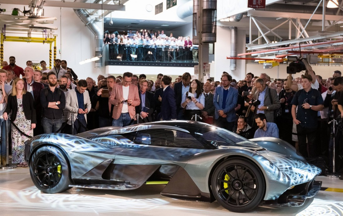 Углепластиковый Aston Martin AM-RB 001