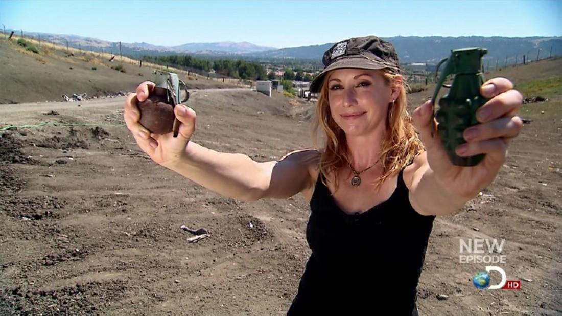 Кэри Байрон и ручные гранаты