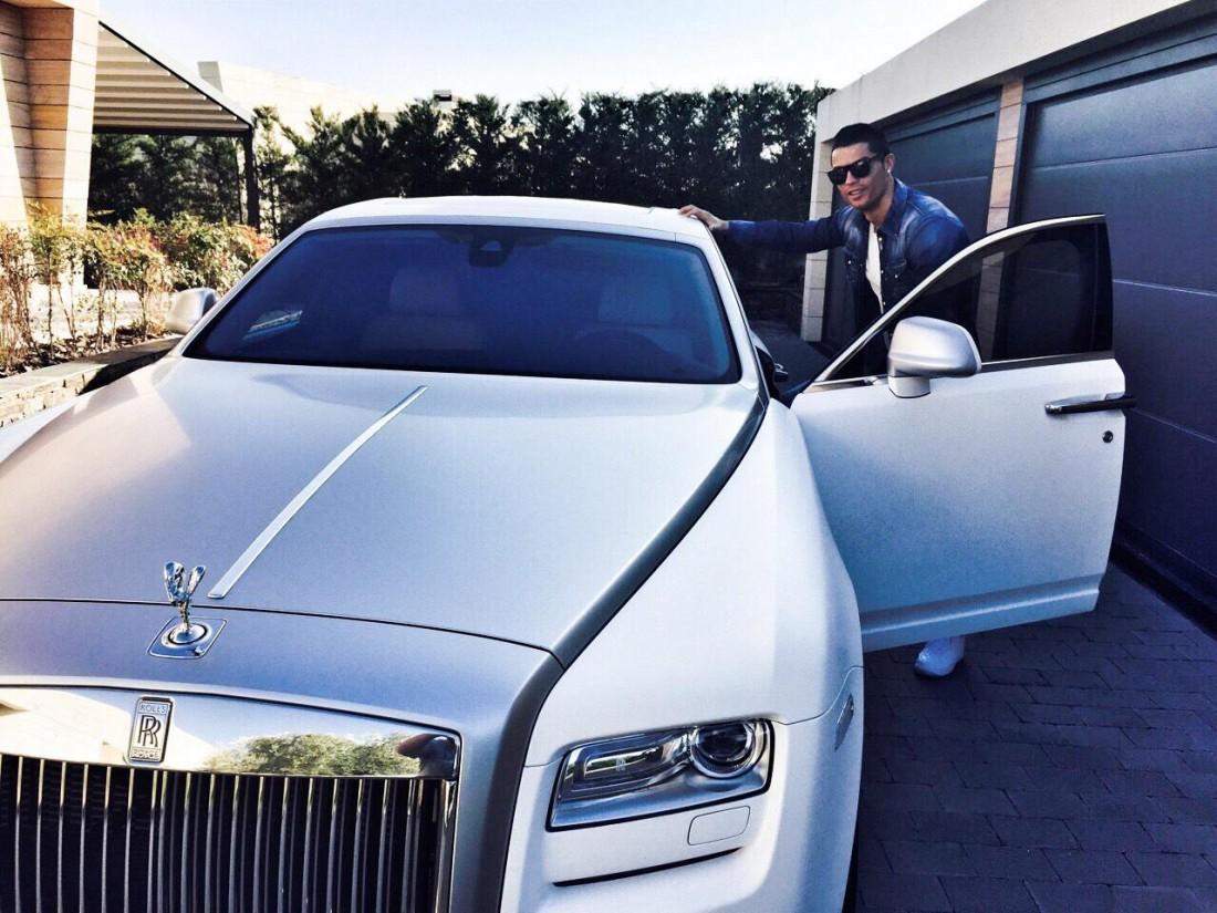Rolls Royce Ghost — одна из прелестей, побывавших в руках Криштиану Роналду