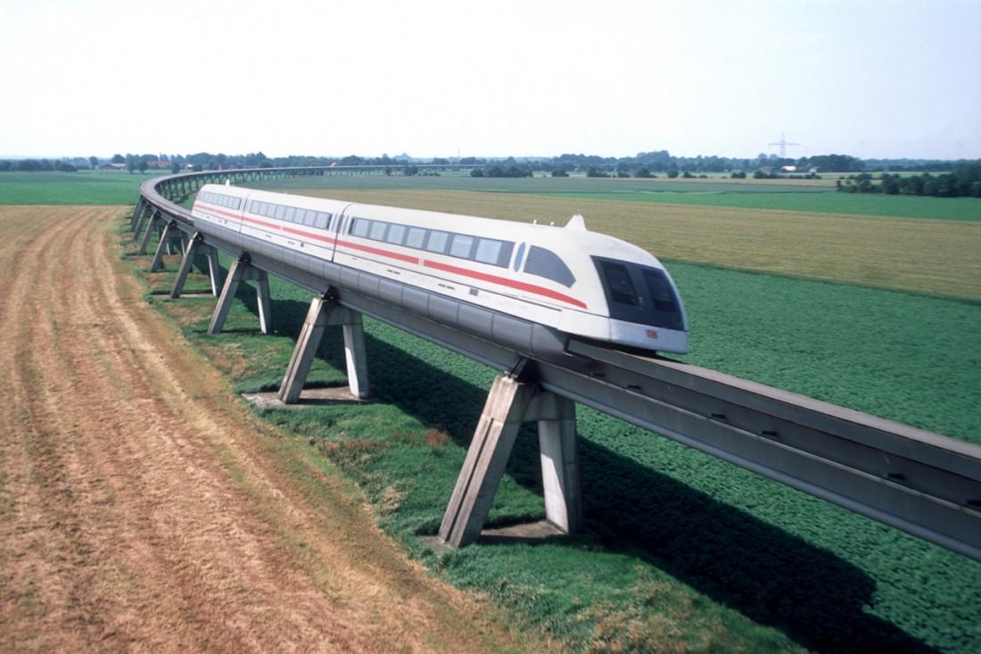 Transrapid 08. Курсирует по участку длиной всего 30 км