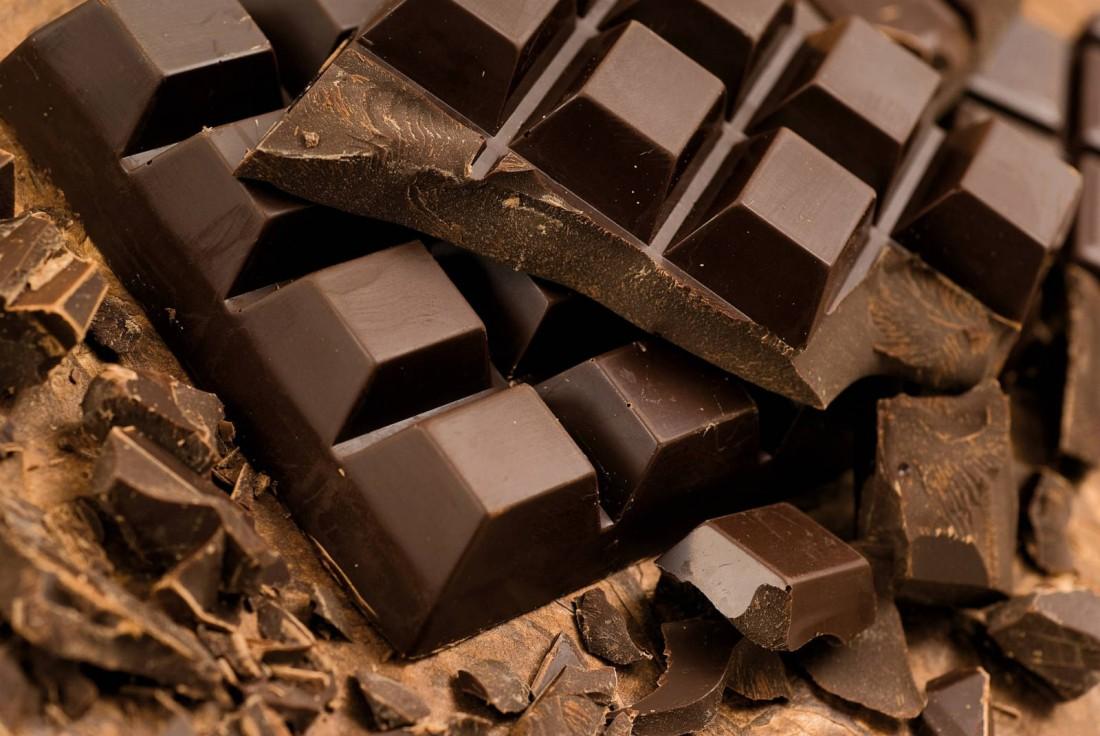 Черный шоколад. В день лопай не более 100 граммов