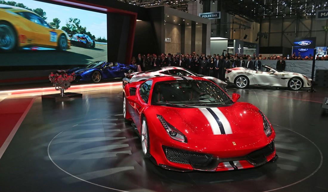 Мощность движка Ferrari 488 Pista — 770 лошадиных сил