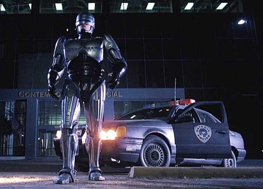 Робокоп и его Ford Taurus (кадр из к/ф