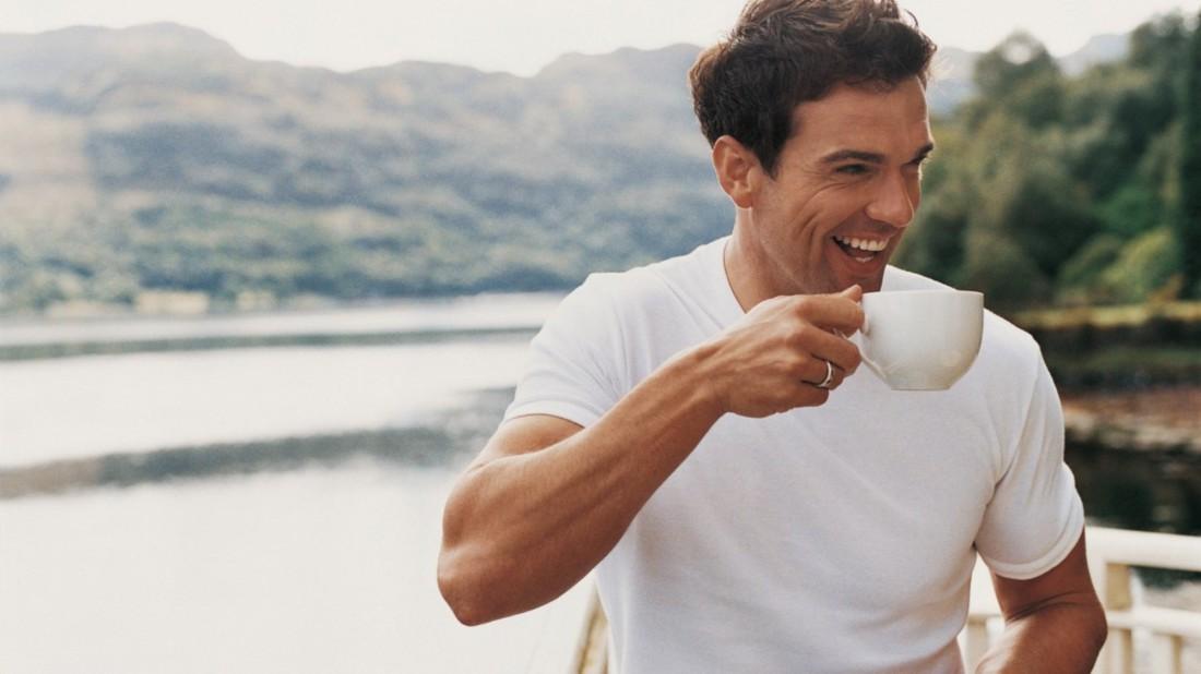 Не сиди в смартфоне. Приготовь вкусный кофе и выйди с ним на прогулку