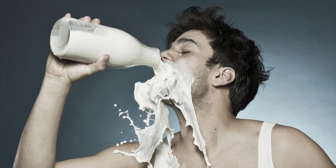 Молоко — спонсор крепкого сна и роста мышечной массы