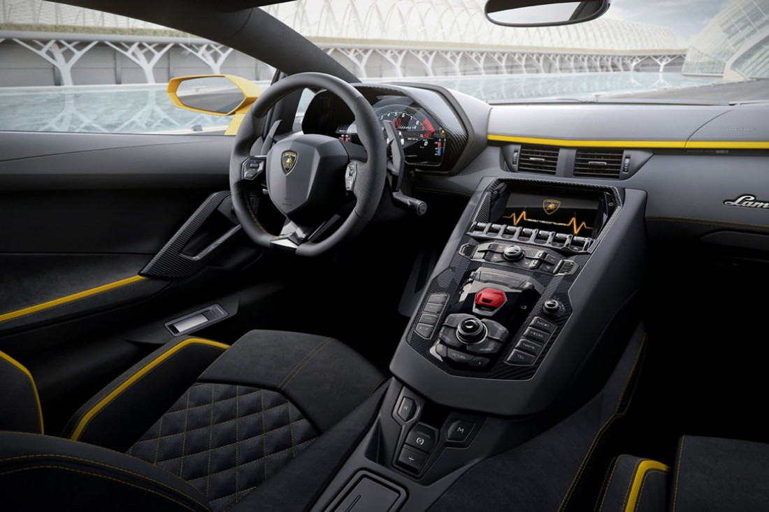 Салон Lamborghini Aventador S